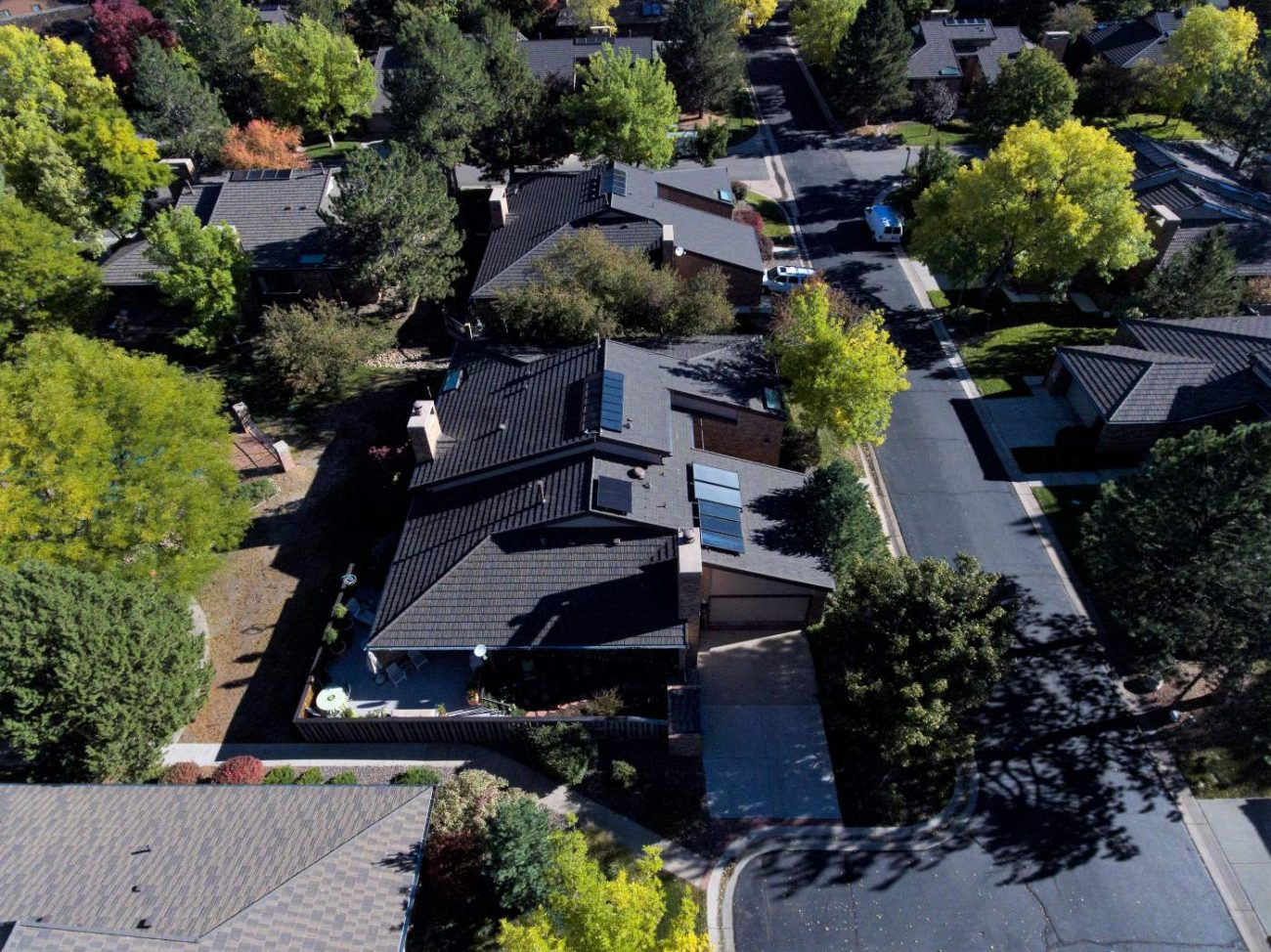 Long House Roof With Skylights Denver Roofing