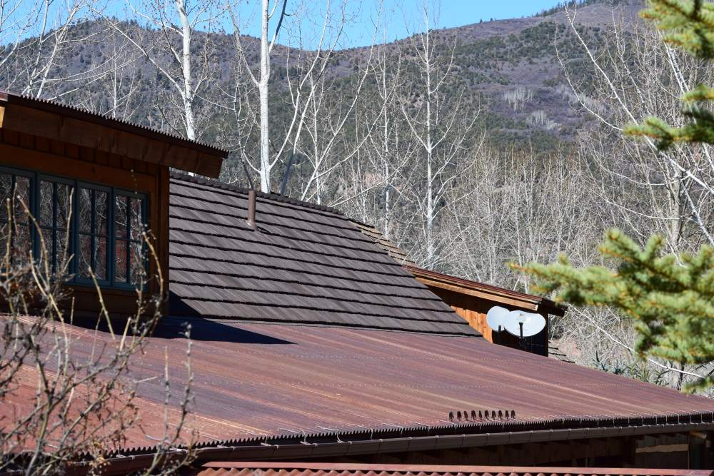 Roof materials should go along the building's design, weather and external conditions.